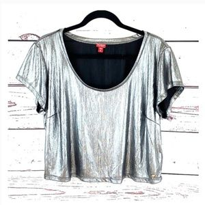 GUESS/ Silver Metallic Cropped Top Blouse